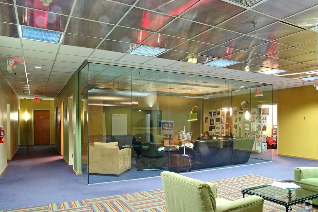 401 Pine Glass Room